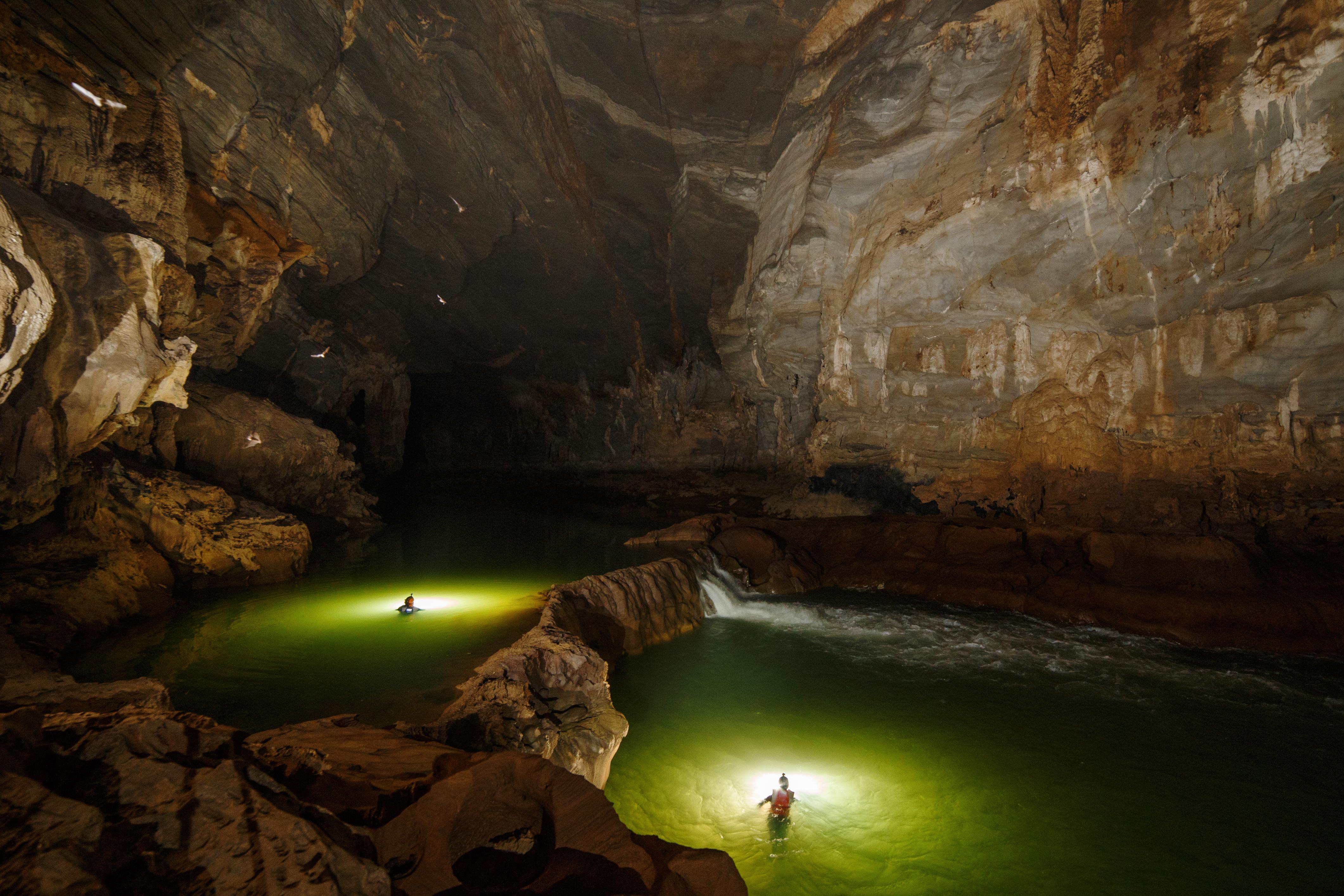 Không chỉ Sơn Đoòng, Quảng Bình còn có một hang động khác hoang sơ và đẹp đến ngạt thở! - Ảnh 12.