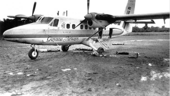 Vụ thảm sát kinh hoàng tại Jonestown: Gần 1,000 người uống thuốc độc, tự sát tập thể - Ảnh 5.