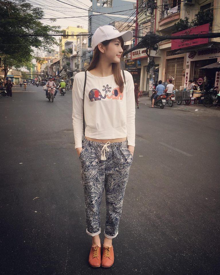 Loạt ảnh du lịch Sài Gòn của hot girl Malaysia khiến fan Việt thích thú - Ảnh 5.