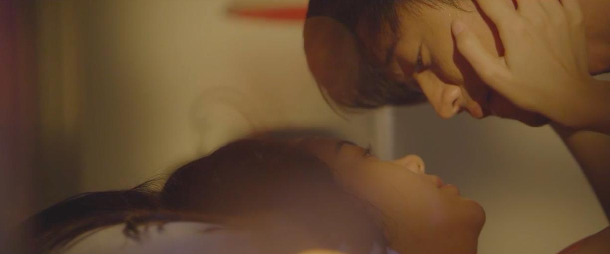 Đây là cảnh nóng đầu tiên trên màn ảnh của Minh Hằng! - Ảnh 7.