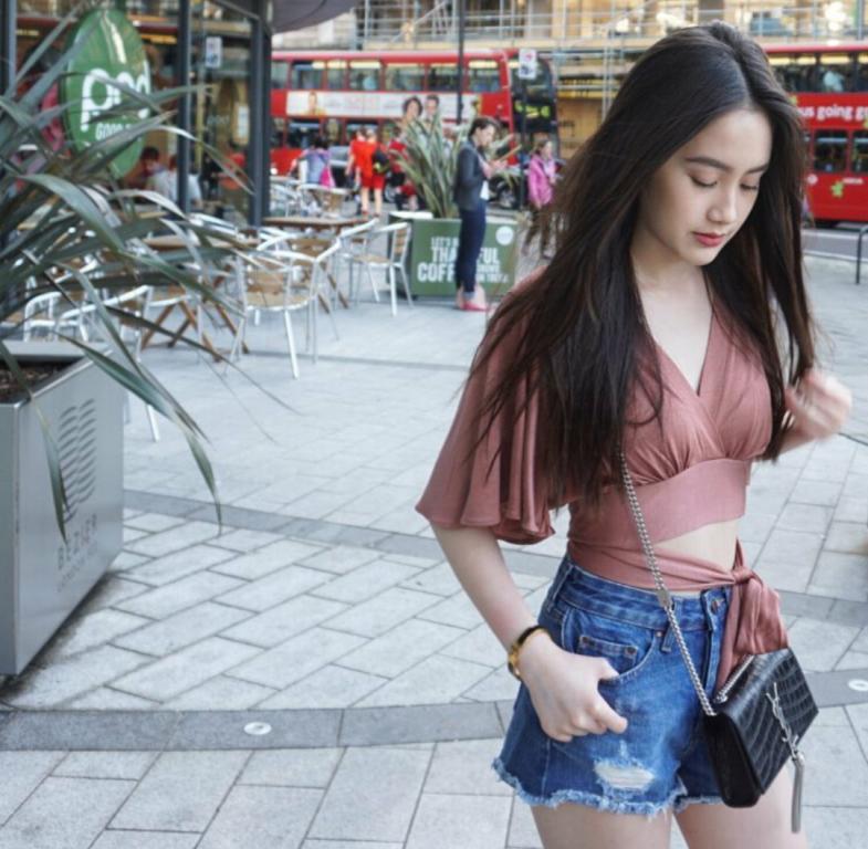 Vừa giàu, vừa xinh, vừa giỏi: Đây chính là hot girl số 1 của Lào, và cô ấy là người gốc Việt! - Ảnh 31.