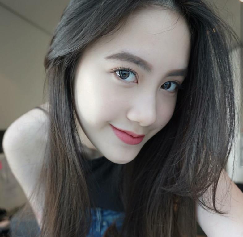 Vừa giàu, vừa xinh, vừa giỏi: Đây chính là hot girl số 1 của Lào, và cô ấy là người gốc Việt! - Ảnh 5.