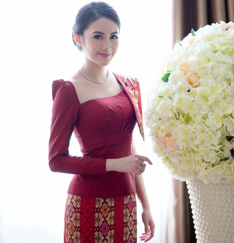 Vừa giàu, vừa xinh, vừa giỏi: Đây chính là hot girl số 1 của Lào, và cô ấy là người gốc Việt! - Ảnh 2.