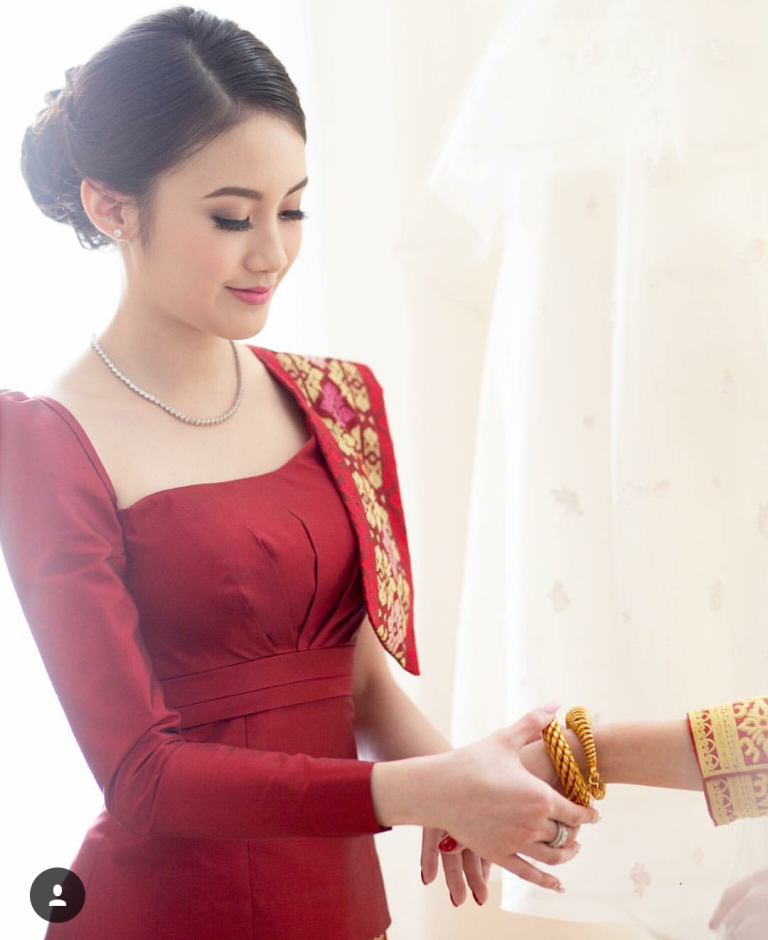 Vừa giàu, vừa xinh, vừa giỏi: Đây chính là hot girl số 1 của Lào, và cô ấy là người gốc Việt! - Ảnh 1.