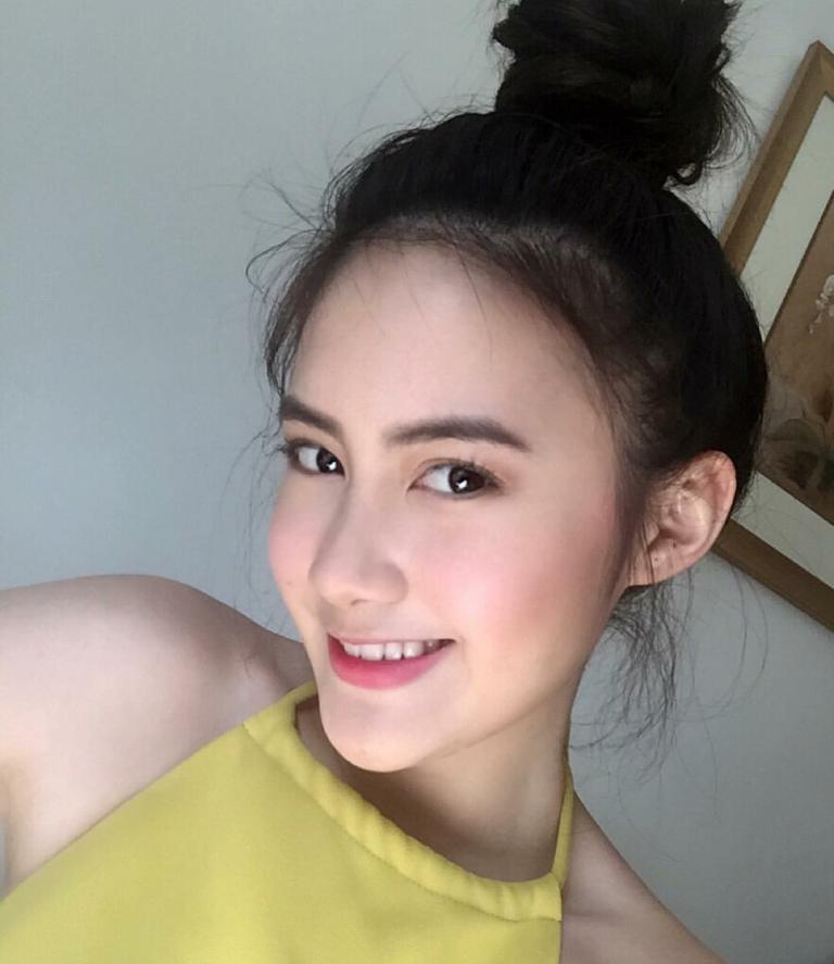 Vừa giàu, vừa xinh, vừa giỏi: Đây chính là hot girl số 1 của Lào, và cô ấy là người gốc Việt! - Ảnh 19.