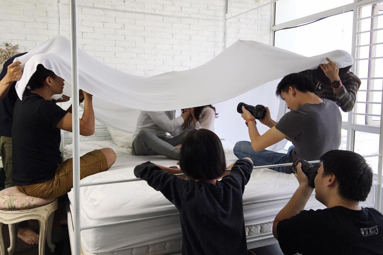 Sĩ Thanh khóc hết nước mắt trong MV do chính mình đạo diễn - Ảnh 8.