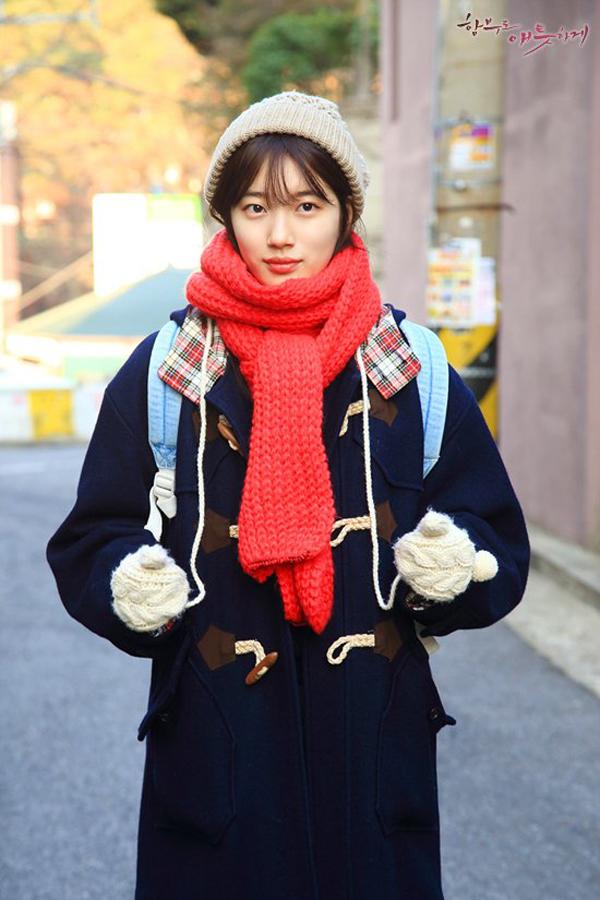 Style của Suzy trong Uncontrollably Fond: Ngốt thì ngốt, mà đẹp vẫn đẹp - Ảnh 9.