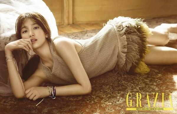 Suzy đã đủ độ chín để đọ độ gợi cảm với đàn chị trên tạp chí - Ảnh 2.