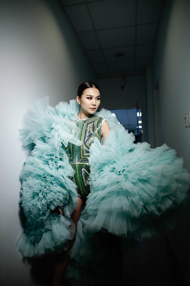 Thanh Hằng: Nữ hoàng chưa người thay thế trên sàn catwalk Việt - Ảnh 8.