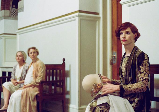 Cô gái Đan Mạch: Đẹp nao lòng từ nội dung đến thời trang - Ảnh 16.