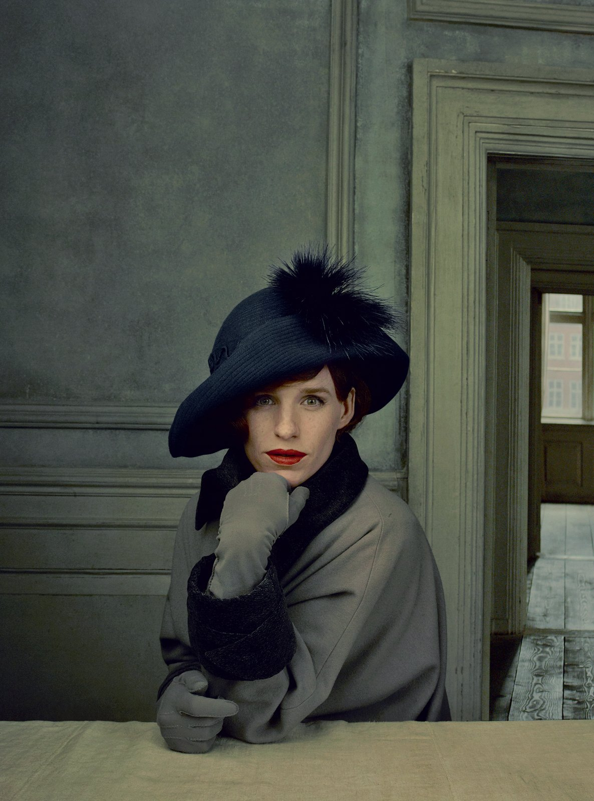 Cô gái Đan Mạch: Đẹp nao lòng từ nội dung đến thời trang - Ảnh 9.