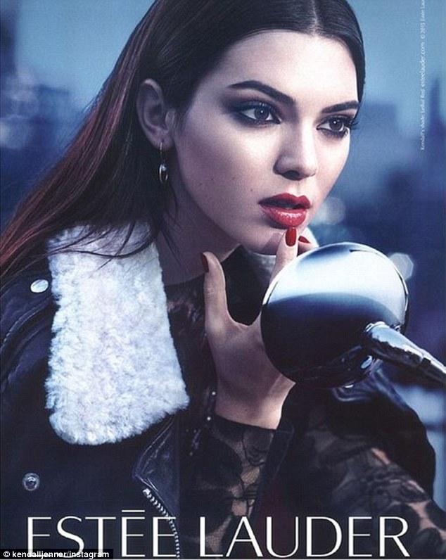2016 - năm mà cả thế giới thời trang phải phủ phục trước đại gia đình Kardashian! - Ảnh 6.