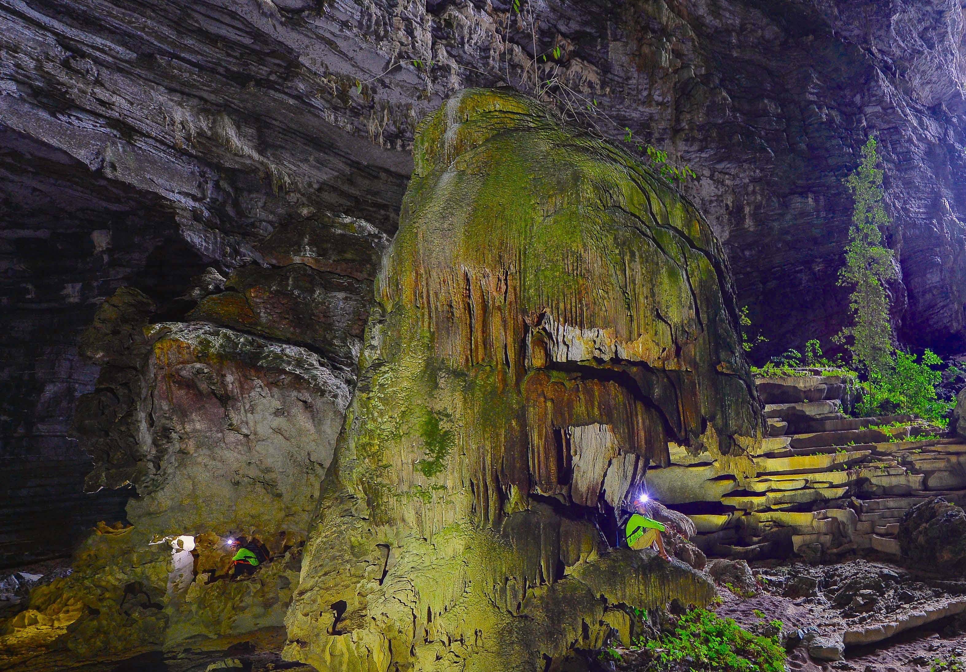 Không chỉ Sơn Đoòng, Quảng Bình còn có một hang động khác hoang sơ và đẹp đến ngạt thở! - Ảnh 14.