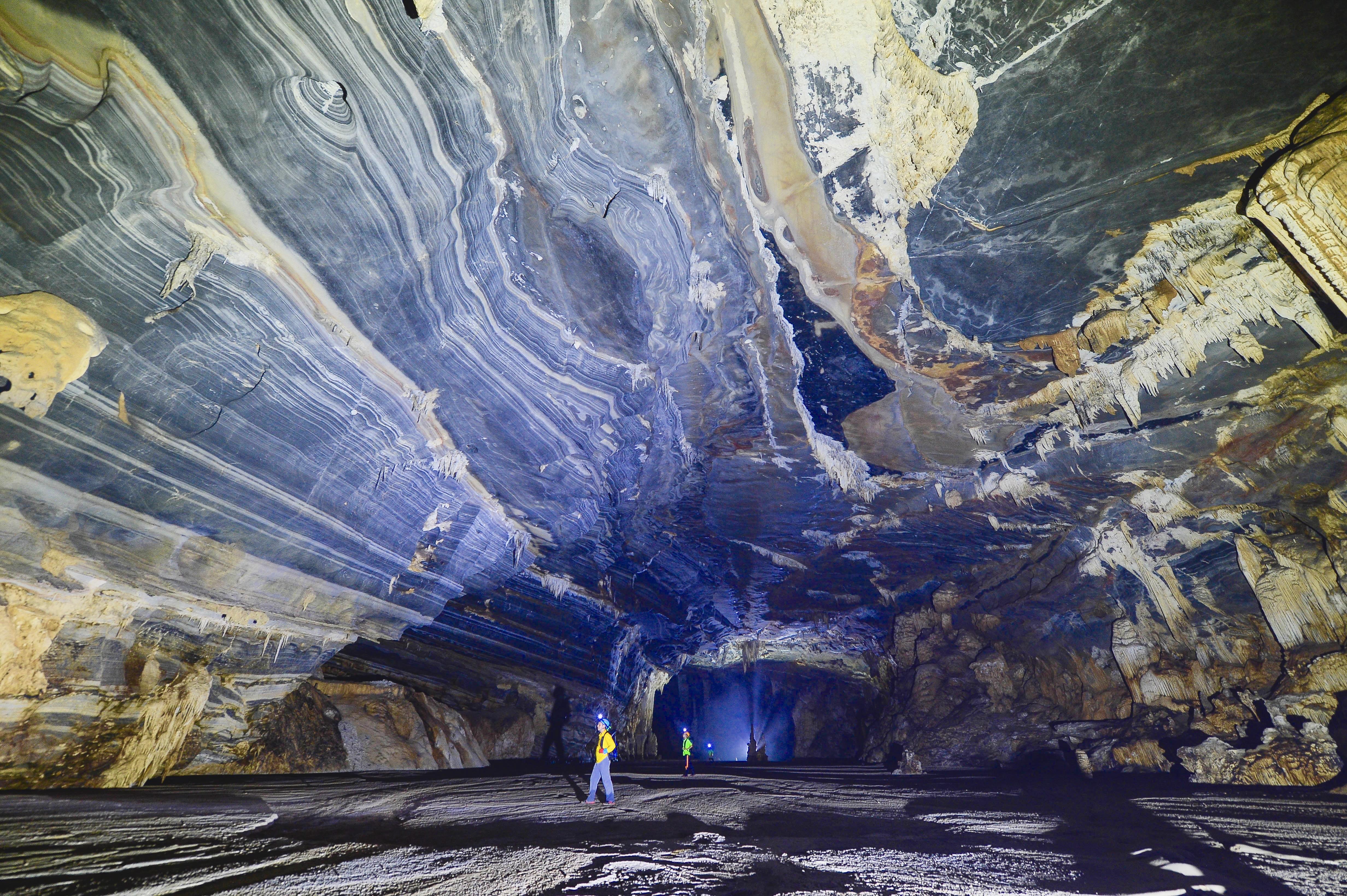 Không chỉ Sơn Đoòng, Quảng Bình còn có một hang động khác hoang sơ và đẹp đến ngạt thở! - Ảnh 18.