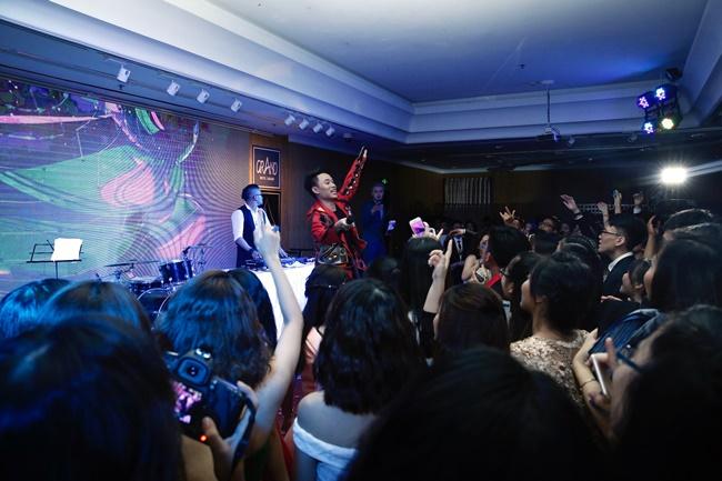 Teen THPT Lê Quý Đôn (TP.HCM) quẩy cực sung trong prom độc lập đầu tiên của trường - Ảnh 28.