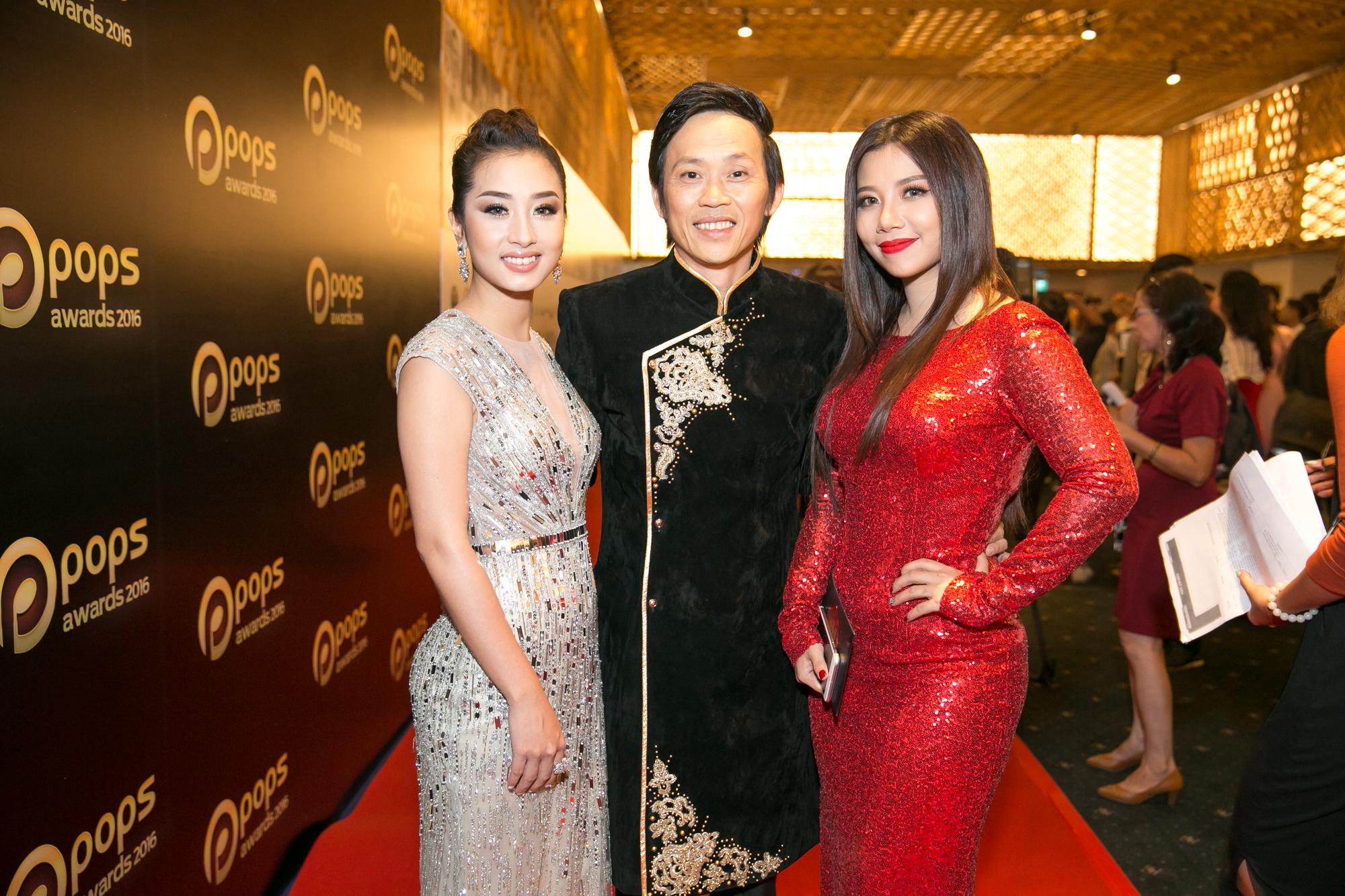 Đàm Vĩnh Hưng xuất hiện trên thảm đỏ, vẫn biểu diễn theo lịch trình sau khi livestream tiết lộ số nợ 20 tỷ - Ảnh 5.