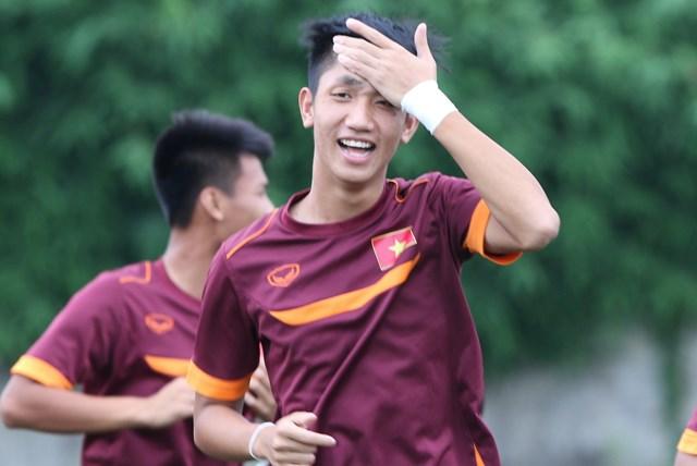 Chuyên gia người Đức ngỡ ngàng với thể lực của cầu thủ U19 Việt Nam - Ảnh 1.