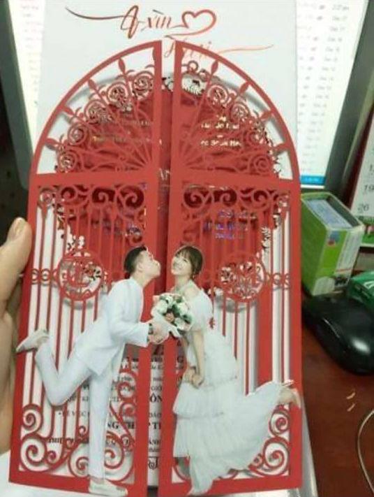 Hé lộ thiệp mời của Trấn Thành và Hari Won sau khi công khai ảnh cưới - Ảnh 1.