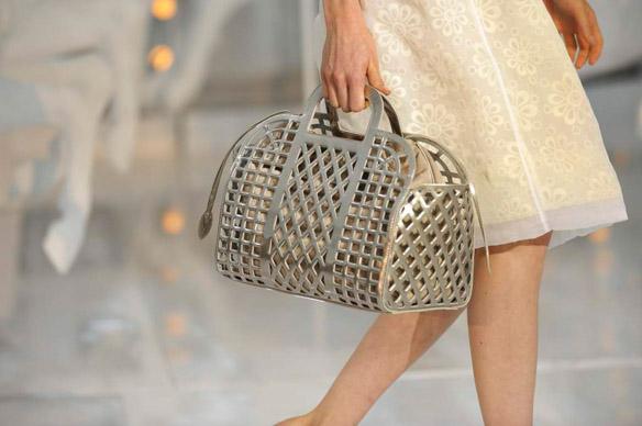 Thời nay, cái làn đi chợ & túi đựng chăn của các mẹ cũng thành hàng hiệu bán vài trăm triệu được - Ảnh 9.