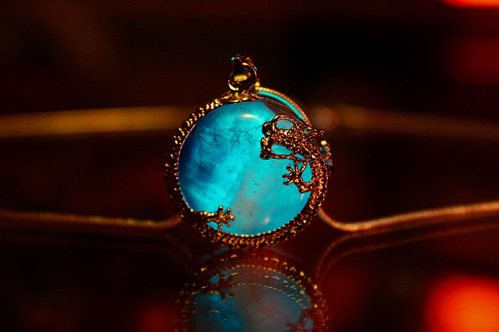 Thu hút mọi ánh nhìn với bộ ba trang sức đá quý có một không hai - Ảnh 5.