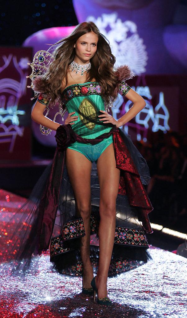 Victorias Secret Fashion Show không hoàn hảo, nhưng cách xử lý của các Thiên thần thì đỉnh rồi! - Ảnh 5.