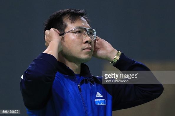 Nhà vô địch Olympic Hoàng Xuân Vinh: Hai lần mất mẹ và viên đạn lập nên lịch sử - Ảnh 4.