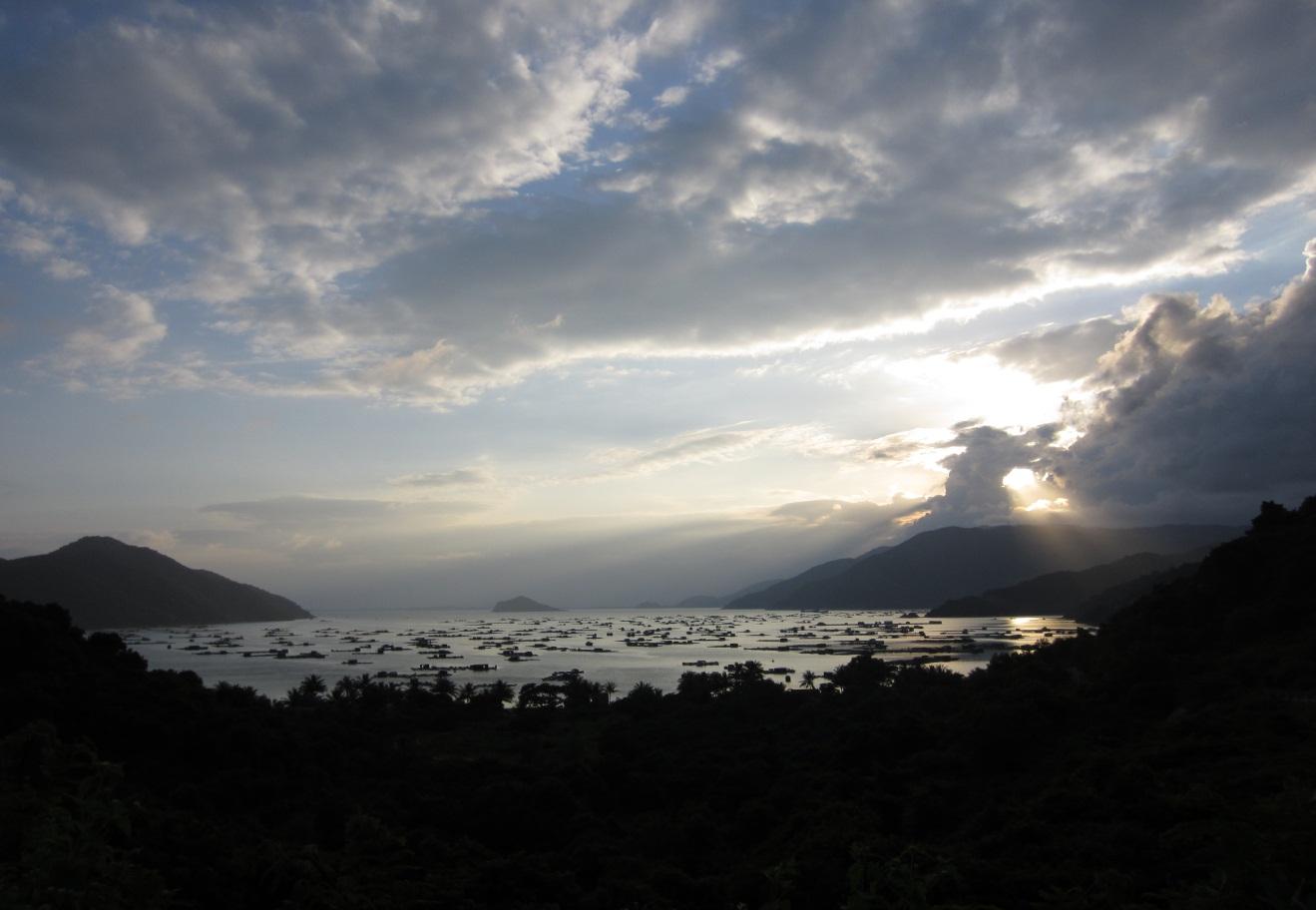 Hãy đến những nơi này để thấy Phú Yên còn đẹp hơn những gì bạn thấy trong hoa vàng cỏ xanh - Ảnh 30.