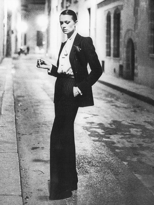 Thời thế có thay đổi thì 9 kiểu đồ sau của Saint Laurent vẫn hot như thường - Ảnh 1.
