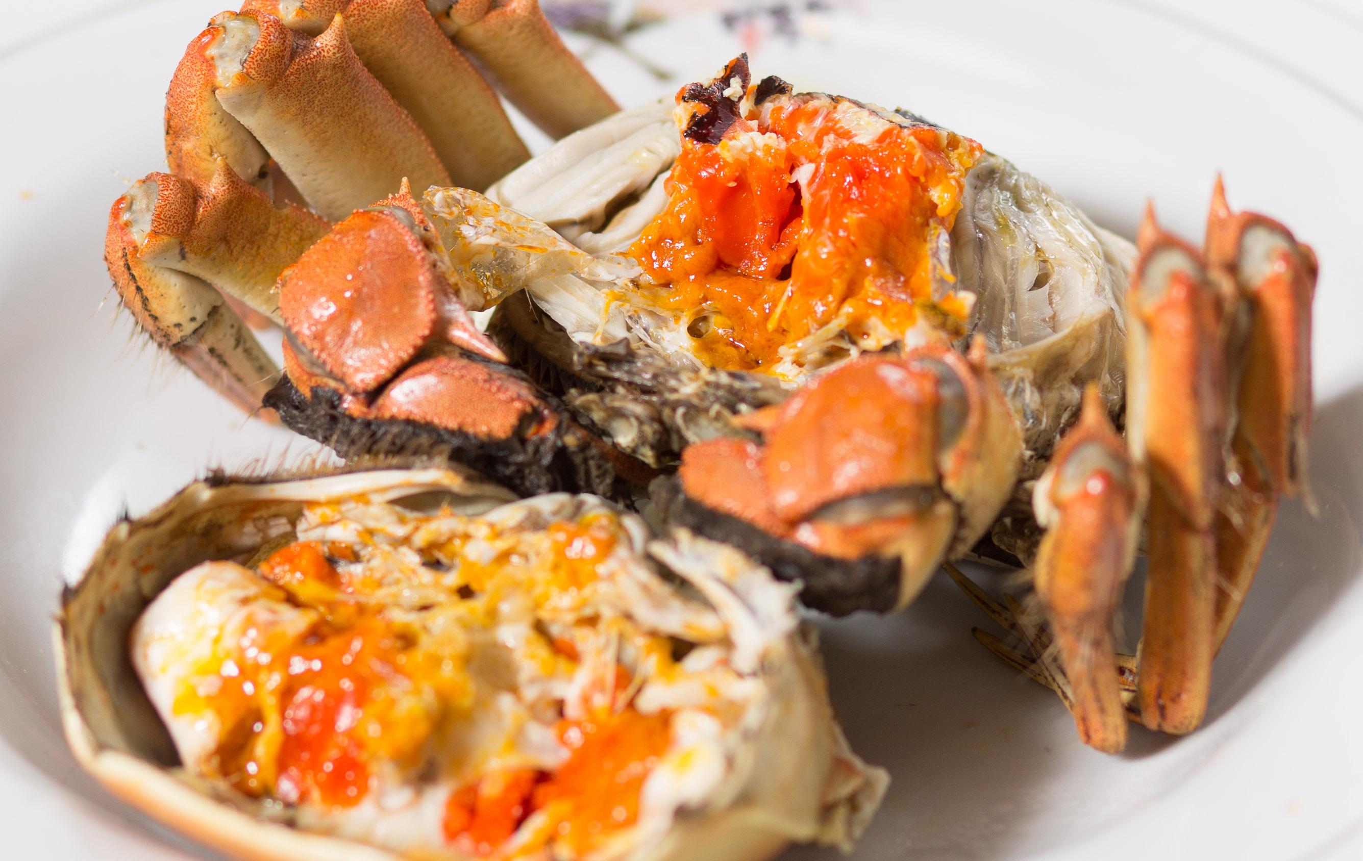 Nghệ thuật ăn cua tỉ mẩn: ăn xong xếp lại y như ban đầu của quý tộc Thượng Hải - Ảnh 2.