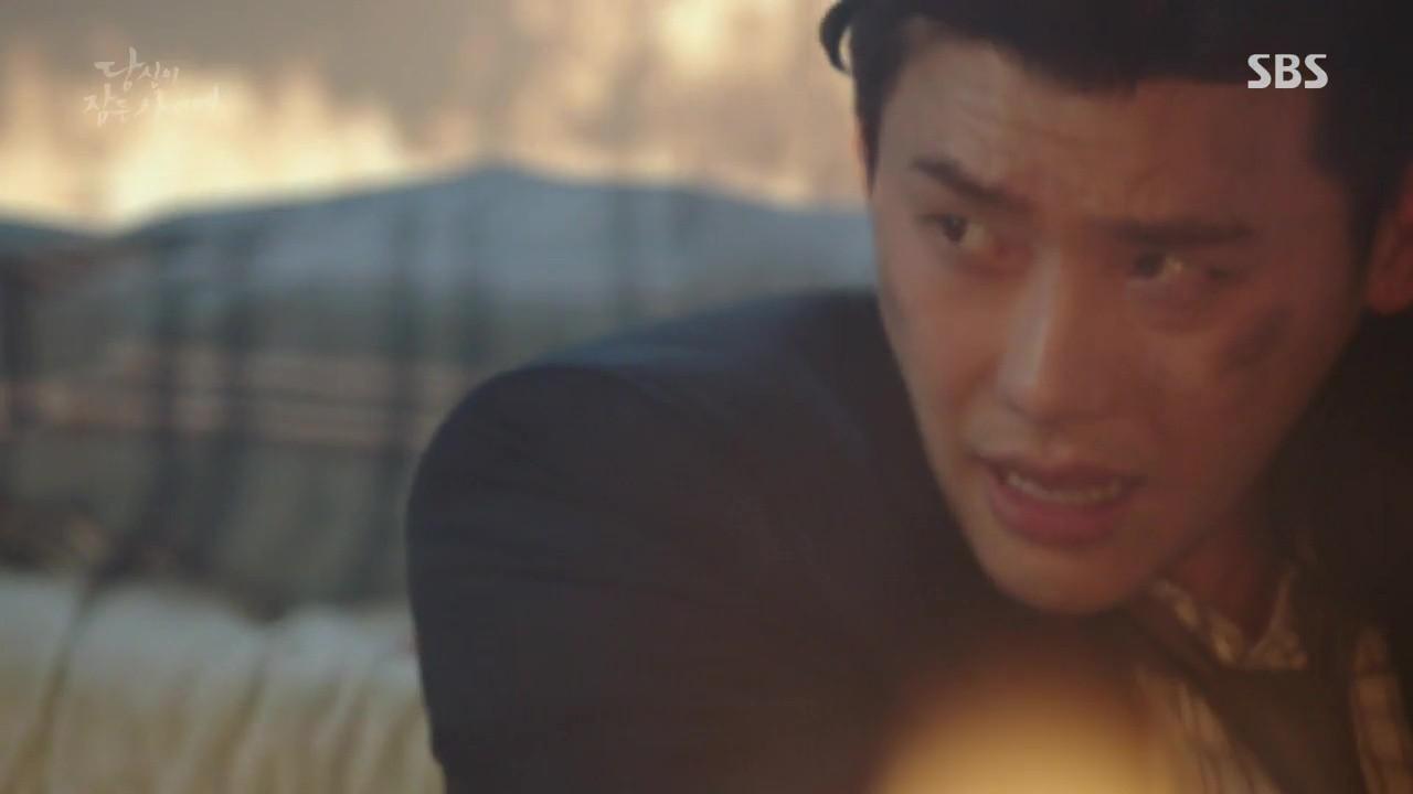 Khi Nàng Say Giấc: Lee Jong Suk và Suzy được anh trai của kẻ thù giải cứu - Ảnh 6.
