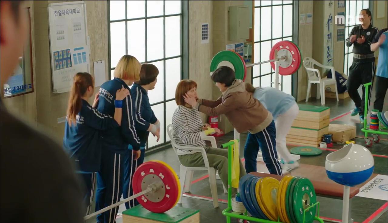"""""""Tiên Nữ Cử Tạ"""": Nam Joo Hyuk nguyện cạo đầu để bớt đẹp trai vì Lee Sung Kyung - Ảnh 7."""