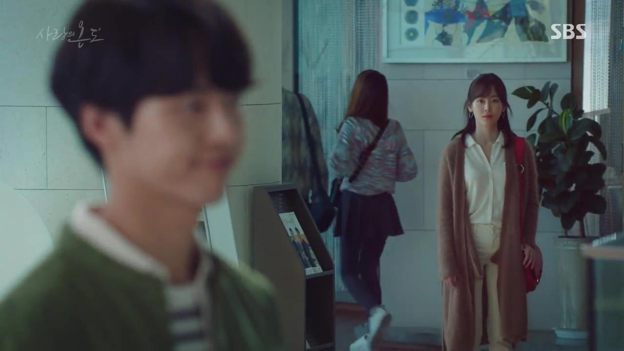 Nam thứ đáng thương nhất Hàn Quốc: Cay đắng nhìn bạn thân và crush ôm nhau - Ảnh 16.