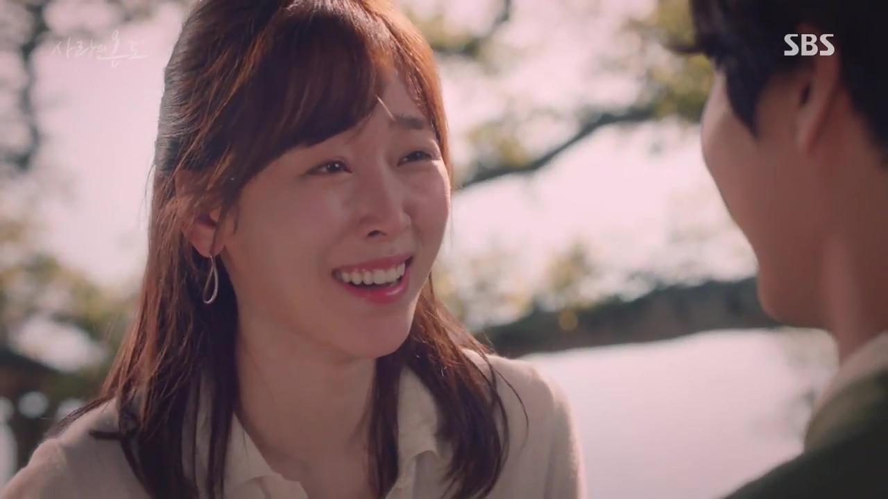 Nam thứ đáng thương nhất Hàn Quốc: Cay đắng nhìn bạn thân và crush ôm nhau - Ảnh 9.