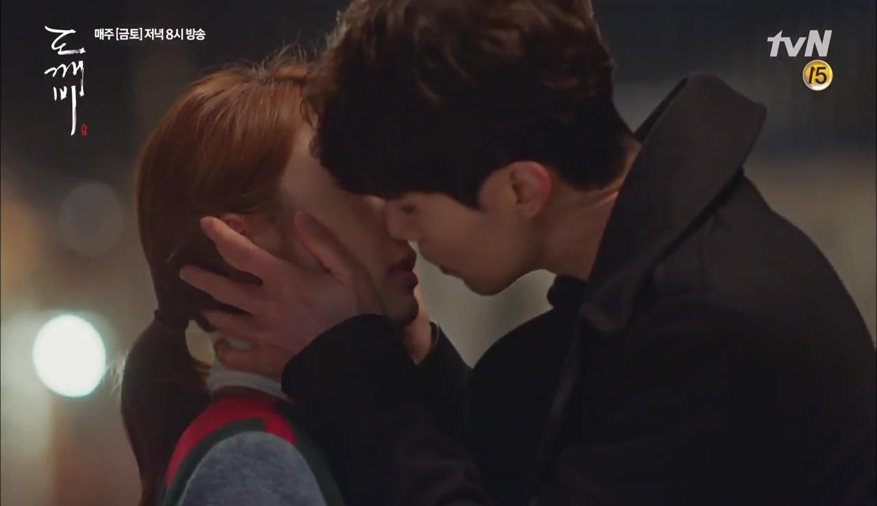 """""""Goblin"""" tập 12 đầy kịch tính: Mọi lá bài quan trọng đều đã được lật, kể cả """"Thần"""" Sung Jae! - Ảnh 18."""