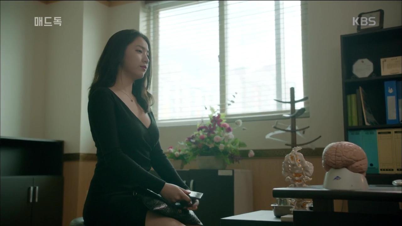 Lên phim quá bốc lửa, Hwayoung phá đảo lượt view, đứng đầu top tìm kiếm Hàn Quốc - Ảnh 5.