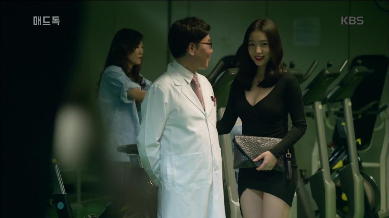 Lên phim quá bốc lửa, Hwayoung phá đảo lượt view, đứng đầu top tìm kiếm Hàn Quốc - Ảnh 7.