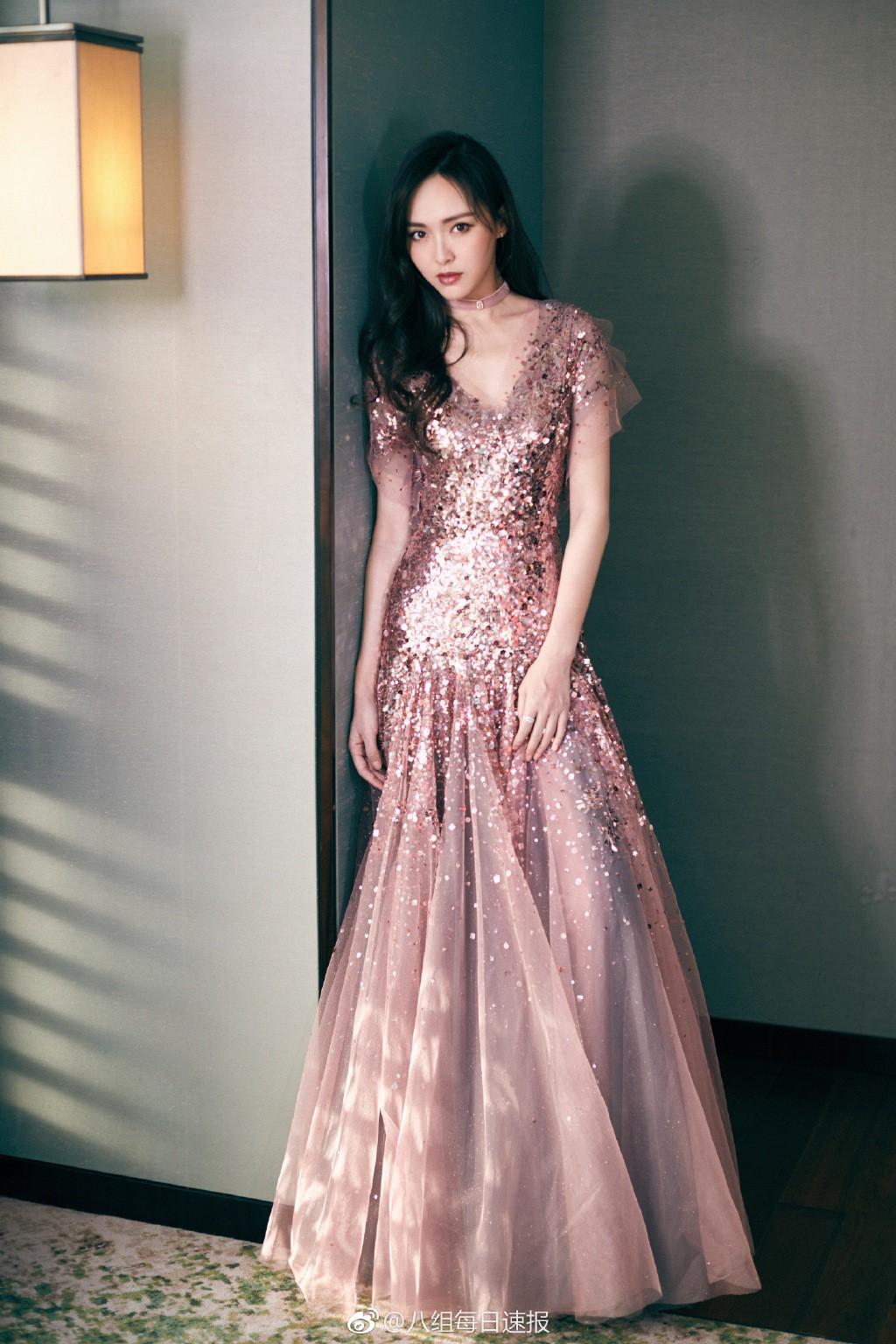 Thảm đỏ Marie Claire: Đường Yên chiếm sóng với chiếc váy đẹp xuất sắc, Lưu Diệc Phi kém sang hơn hẳn Dương Mịch - Angela Baby - Ảnh 5.