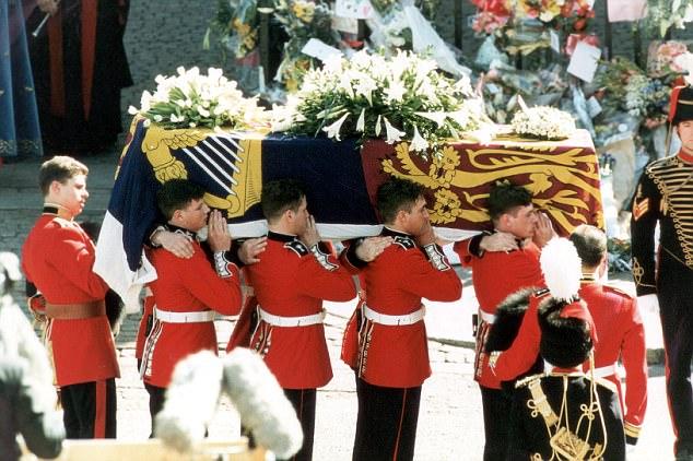 Hoàng tử Anh Harry nghẹn ngào nước mắt sau khi nghe tin công nương Diana qua đời: Mẹ mất thật rồi ạ? - Ảnh 3.