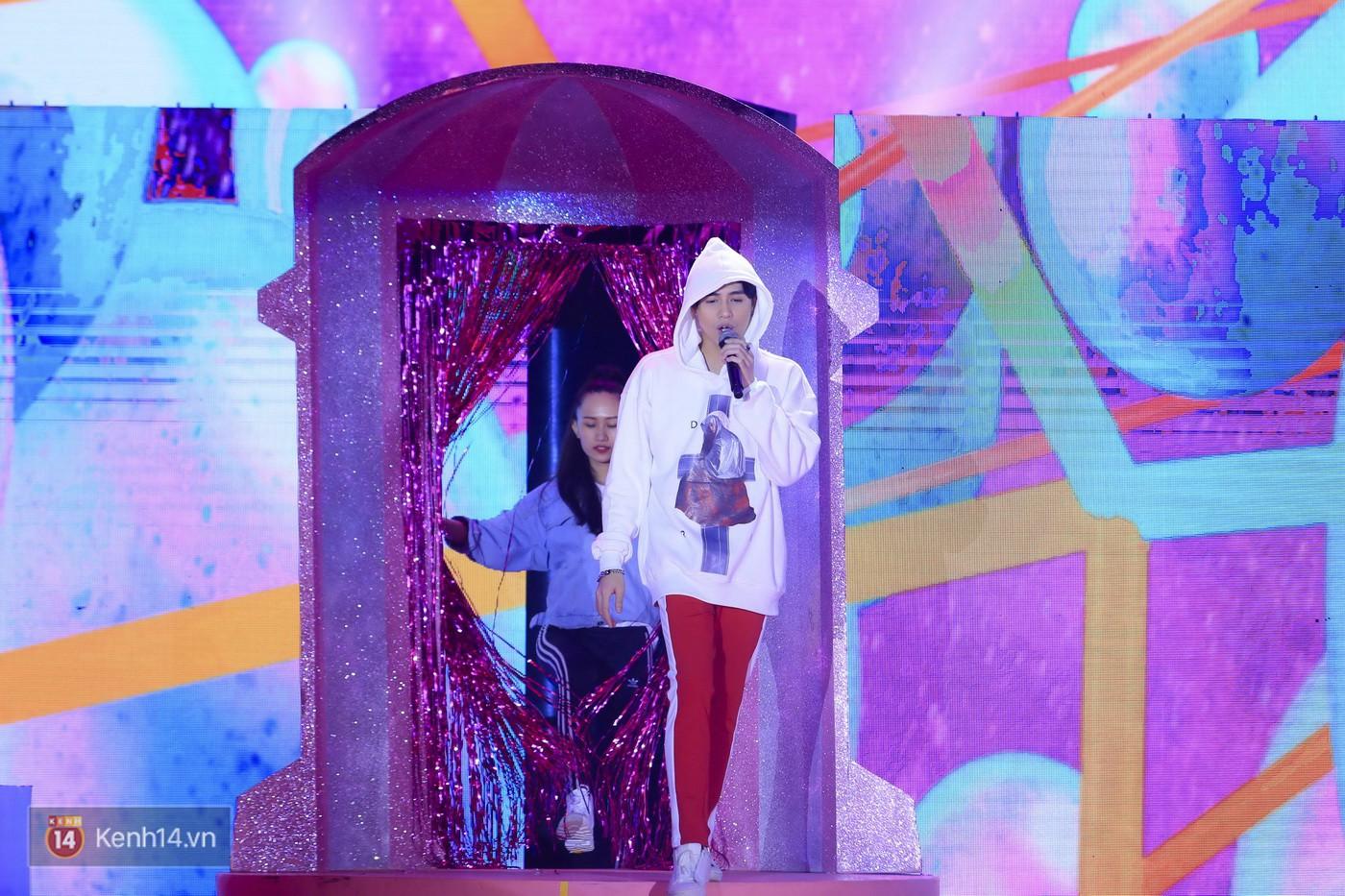Noo Phước Thịnh tập trung cao độ cho buổi tổng duyệt chính thức trước thềm liveshow kỉ niệm 9 năm ca hát - Ảnh 5.