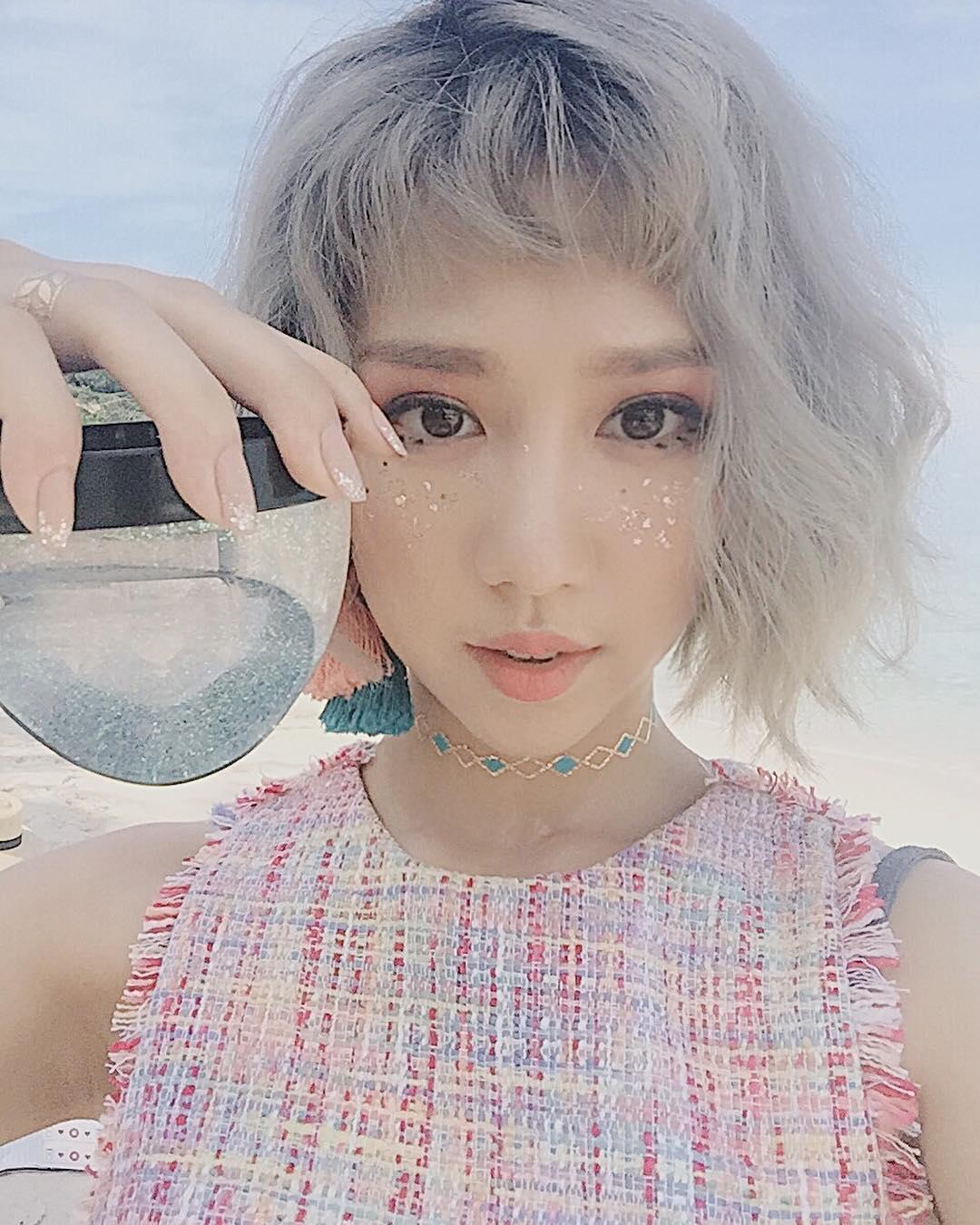 Tưởng đã hạ nhiệt, mốt tóc mái Maruko ngắn cũn lại đang thu phục hàng loạt sao và hot girl Việt - Ảnh 2.