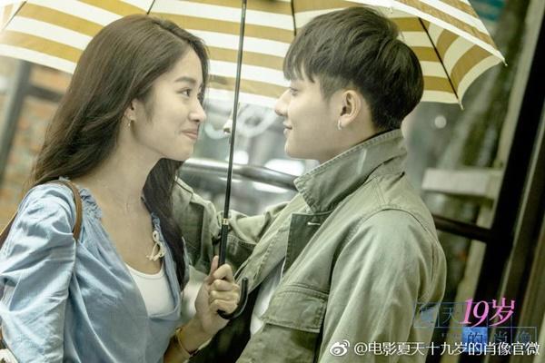 Phim mới của Hoàng Tử Thao bị cướp biển lấy thịt đè người - Ảnh 1.