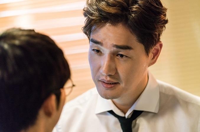 Chó Điên: Ngoài vòng một triệu view của Hwayoung thì phim có gì? - Ảnh 2.
