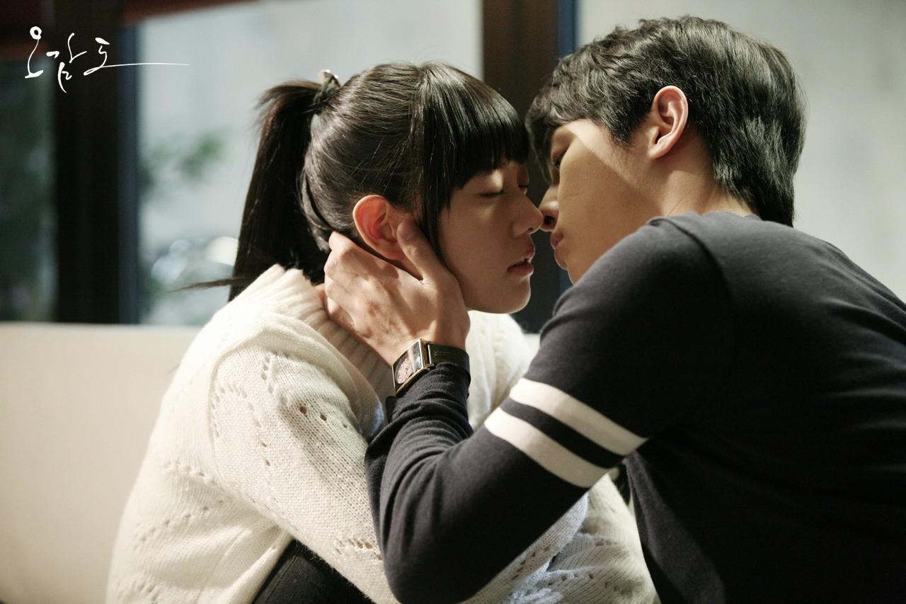 Chuyện đó có ai ngờ: Song Joong Ki là người tình màn ảnh của nữ thần mặt đơ Shin Se Kyung - Ảnh 7.