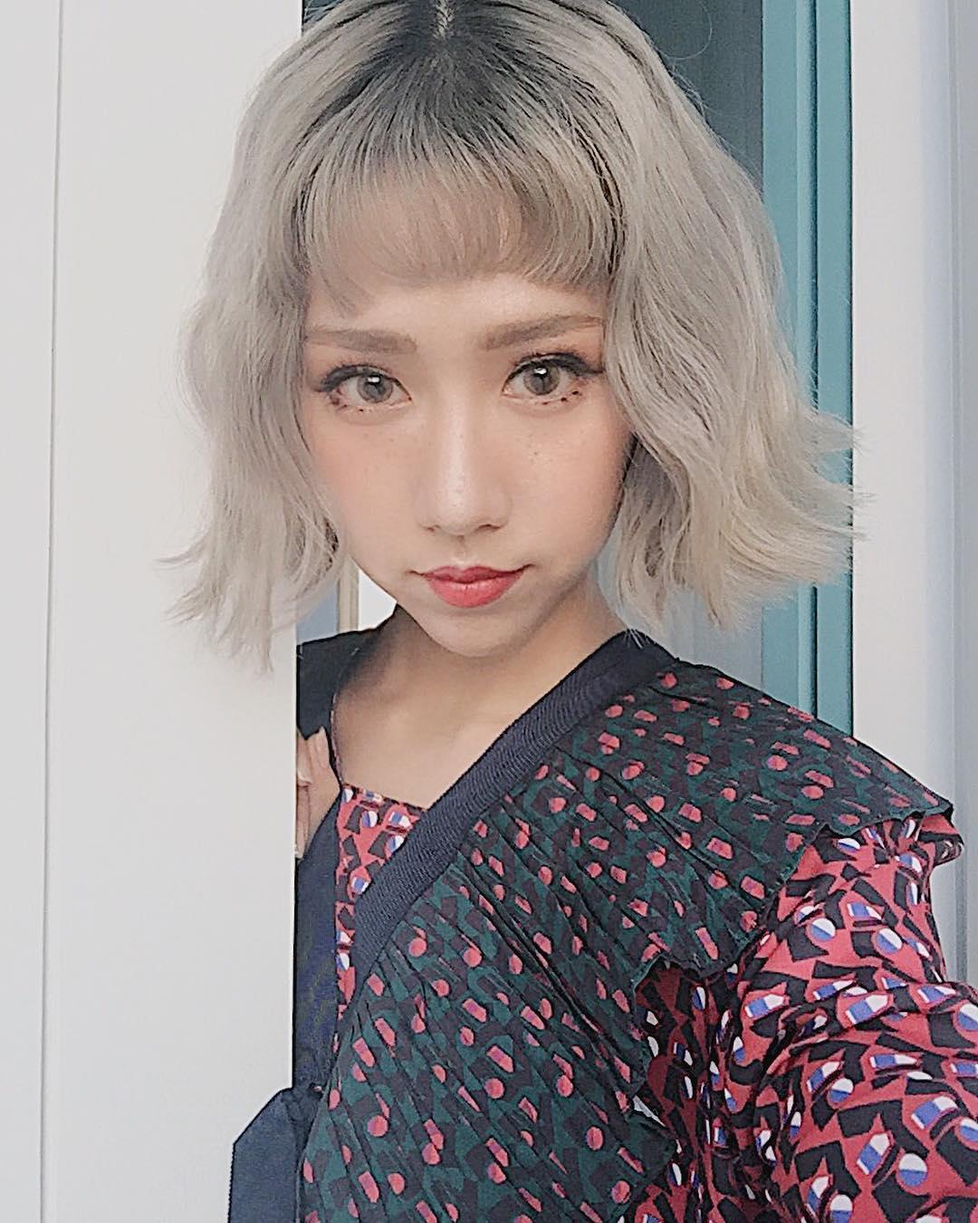Tưởng đã hạ nhiệt, mốt tóc mái Maruko ngắn cũn lại đang thu phục hàng loạt sao và hot girl Việt - Ảnh 3.