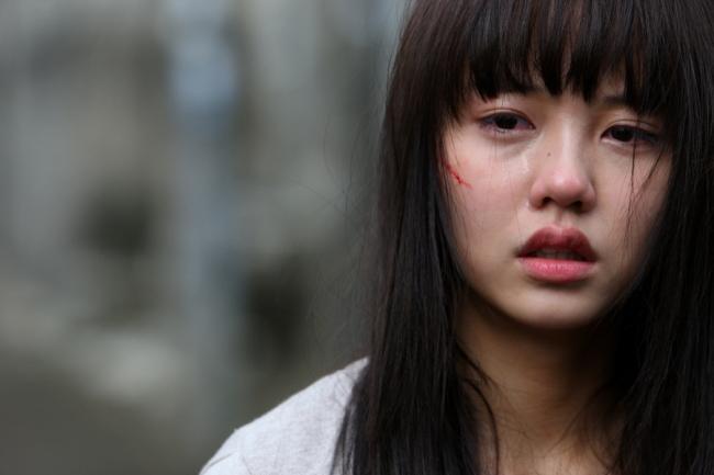 Từ phẫn nộ đến... nực cười với 8 phân cảnh bị chỉ trích nhiều nhất phim Hàn - Ảnh 2.