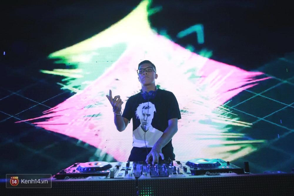 Kimmese và dàn DJ cuồng nhiệt cùng fan Hà Nội trong đêm nhạc EDM sôi động - Ảnh 3.