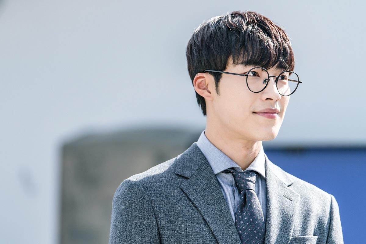 Chó Điên: Ngoài vòng một triệu view của Hwayoung thì phim có gì? - Ảnh 4.