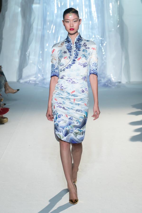 Đặt hẳn thiết kế Haute Couture làm đồng phục cho tiếp viên, Hainan Airlines chắc chắn là hãng hàng không chơi lớn nhất - Ảnh 8.
