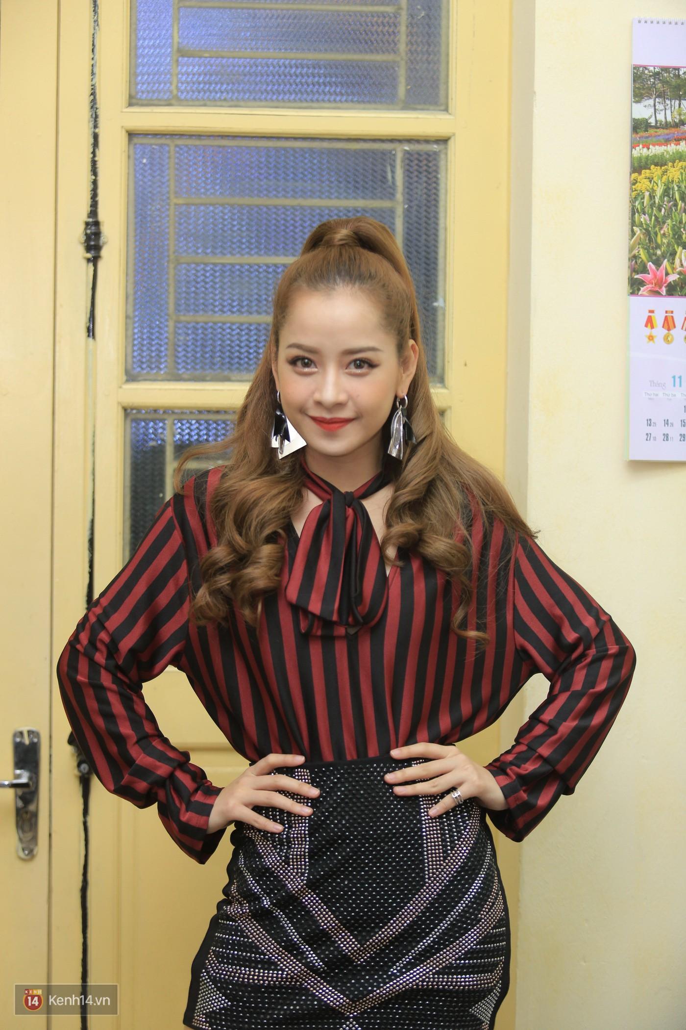 Trai xinh gái đẹp trường Lê Quý Đôn (Hà Nội) quẩy tưng bừng trong prom chào mừng 20/11 - Ảnh 7.