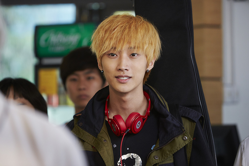 Trừ 9 cái tên này, idol Hàn đóng phim dở thật đấy! - Ảnh 9.